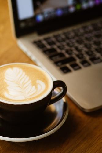 Digitaler Kaffee-TV diskutiert über Internetsicherheit